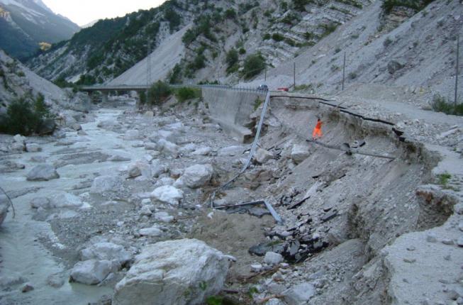 Collegamento a Frane e alluvioni, fenomeni con cui è necessario saper convivere